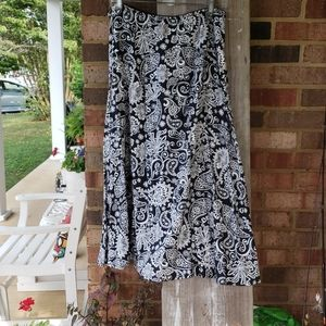 Croft and Barrow black and white skirt